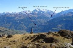 Montchavin entouré de glacier et parc national de la vanoise